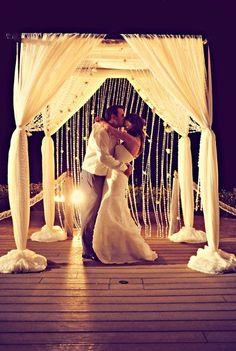 Romantic beach wedding decor