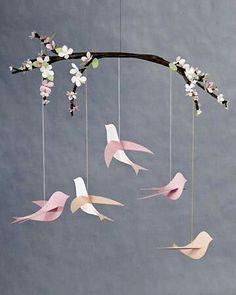 Móvil de pajaritos papel y flores vintage