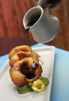 Picarones de banana e canela, sobremesa do jantar harmonizado do La Mar (Foto: Tadeu Brunelli / Divulgação)