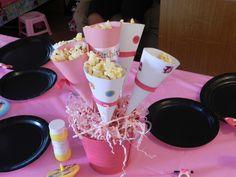 popcorn+centerpieces | Baby shower / Popcorn Cone Centerpiece
