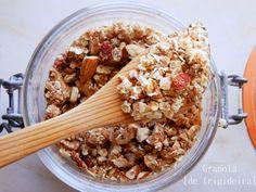 A Cozinha da Ovelha Negra: Granola [de frigideira] / Homemade Granola [saucepan version]