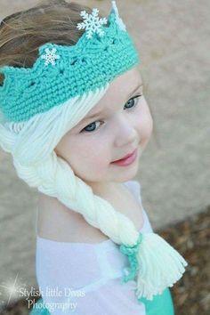 Elsa Crown with Hair [Free Crochet Pattern] Hats for girls Elsa Crown w. Elsa Crown with Hair [Free Crochet Pattern] Hats for girls Elsa Crown with Hair Free Croch Bonnet Crochet, Crochet Baby Hats, Crochet Beanie, Crochet For Kids, Baby Knitting, Frozen Crochet Hat, Knit Hats, Crochet Hats For Girls, Crochet Princess Hat