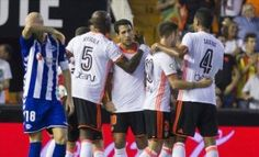 Valencia co chien thang dau tien tai La Liga