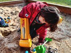King of the sandbox Sandbox, Outdoor Power Equipment, King, Happy, Litter Box, Sand Pit, Happiness