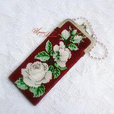 Очечник из бисера (футляр для очков) Розы белые цвели   biser.info - всё о бисере и бисерном творчестве