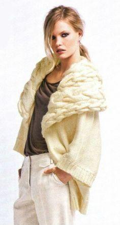 Main tricot manteau avec grand col de Merino laine par tvkstyle, $270.00
