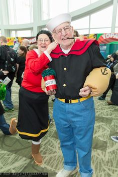 You're NEVER Too Old to Cosplay: Popeye and Olive Oyl at Emerald City Comic Con [Pic] Super Hero shirts, Gadgets & Accessories, Leggings, lovers Costume Halloween, Halloween Rave, Couple Halloween, Cool Costumes, Cosplay Costumes, Costume Ideas, Cartoon Costumes, Comic Con Costumes, Halloween Photos