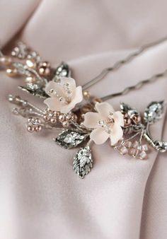 TEAROSE blush wedding hair pin 4