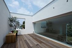 House in Hiyoshi by EANA | HomeDSGN, a daily source for inspiration and fresh ideas on interior design and home decoration.