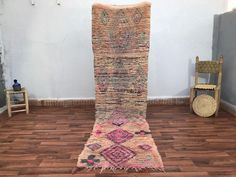 "Zribia.co|Moroccan area rug on Instagram: ""Lovely pink pastel vintage boujaad runner for a happy entryway 🌸  Dm us for more details   #eclecticdecor #ruglove#livingroominspo…"" Moroccan Area Rug, Carpet Handmade, Handmade Moroccan Rugs, Eclectic Decor, How To Clean Carpet, Rugs, Moroccan Carpets, Oriental, Vintage"