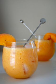 Peach lemonade coolers: 2 medium sized, ripe peaches, peeled, halved and pitted 1/2 cup lemonade 1 ounce vodka of choice