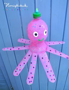 Upcycling idea for PET bottles: Helmut the octopus - look, that& Helmu . - Upcycling idea for PET bottles: Helmut the octopus – look, that& Helmut the jumping octopus - Upcycled Crafts, Recycled Art, Diy And Crafts, Octopus, Diy For Kids, Crafts For Kids, Diy Cadeau, Pet Bottle, Recycle Plastic Bottles