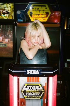 Day Grunge – Pink-haired beauty Charlotte Free covers the latest issue of Elle Girl Japan. Captured by Jason Lee Parry, Charlotte plays arcade games and… Charlotte Free, Amy, Jason Lee, V Magazine, Pink Hair, Summer Looks, Arcade Games, Retro, Latest Fashion Trends