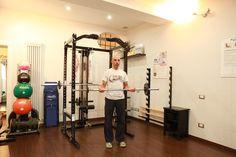 Curl con il bilanciere per l' #allenamento  dei #muscoli  bicipiti in #palestra  , uno degli #esercizi  migliori per la #tonificazione  delle braccia  Vediamo come farlo correttamente  #PersonalTrainer #Bologna   #ipertrofia  #tutorial #gym #tono  #muscolare