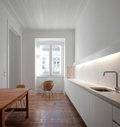 Dont have the space for a long counter like this, but its nice to dream.  - Interior Ideas