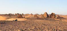 Πυρφόρος Έλλην: Στο Σουδάν υπάρχουν περισσότερες αρχαίες πυραμίδες... Monument Valley, Nature, Travel, Egypt, Naturaleza, Viajes, Destinations, Traveling, Trips