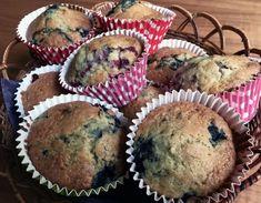 Maailman helpoimmat mustikkamuffinit nopeasti | Makea leivonta | Kodin Kuvalehti Joko, Atkins Diet, Goodies, Food And Drink, Baking, Breakfast, Sweet Like Candy, Morning Coffee, Gummi Candy