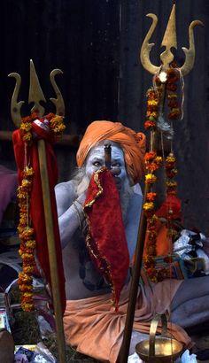 The Sadhu Photo by Protim Banerjee – National Geographic Your Shot Shiva Linga, Mahakal Shiva, Rudra Shiva, Shiva Art, Hindu Art, Lord Shiva Hd Wallpaper, Lord Vishnu Wallpapers, Sadhus India, Aghori Shiva