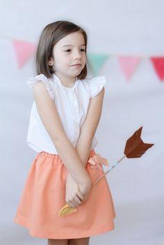 Falda para niña en color salmón con detalle de lazada #kids #moda #madeinSpain #corazondeleonkids #skirt #salmon #lazo #SpringSummer2015
