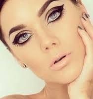 Catwoman eye makeup idea
