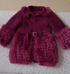 girl-child bearded-rope violet hirka - My Recommendations Baby Cardigan, Cardigan Bebe, Baby Pullover, Crochet Baby Poncho, Knitted Poncho, Knitted Baby, Poncho Knitting Patterns, Cardigan Pattern, Pull Bebe