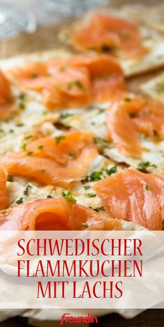 Der Geschmack von frischem Lachs macht den schwedischen Flammkuchen besonders fein Best Picture For easy Healthy Drinks For Your Taste You are looking for something, and it is going to tell you exactl Easy Dinner Recipes, Easy Meals, Healthy Drinks, Healthy Recipes, Evening Meals, Eating Plans, Eating Habits, Food Network Recipes, Cooking Network