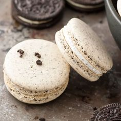 Turn your favourite store-bought classics into something more decadent with these delicate Oreo macarons. Oreo flavoured cookies with an Oreo filling. Custard Cookies, Oreo Cheesecake Cookies, Oreo Cake, Brownie Cookies, Homemade Marshmallow Fluff, Homemade Marshmallows, Marshmallow Frosting, Cake Recipes, Dessert Recipes