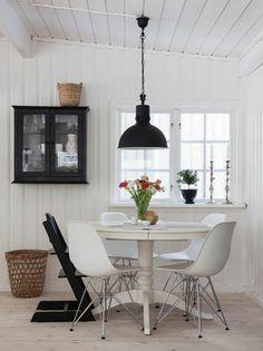 Dining Nook, Dining Room Design, Dining Room Table, Interior Design Living Room, Inspiration Design, Dining Room Inspiration, Sweet Home, Scandinavian Interior, Nantucket