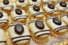 Mocca oválky s kávovým zrnkem   NejRecept.cz Czech Recipes, Doughnut, Biscuits, Cookies, Desserts, Food, Creme, Fanta, Fitness
