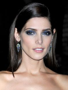 Ashley Greene | eyes Really like this makeup for a night out.