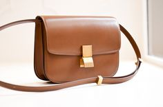 New Celine Classic box bag - help needed : Classic Box Bag in Camel Celine Classic Box, Celine Box, Givenchy, Photography Bags, Sacs Design, Back Bag, Unique Purses, Luxury Handbags, Handbag Accessories