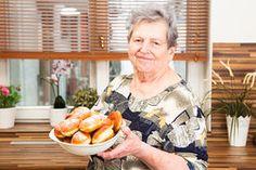 Babiččiny recepty: Pusťte se do domácích koblih! Camembert Cheese, Donuts, Sweets, Desserts, Food, Frost Donuts, Tailgate Desserts, Deserts, Beignets