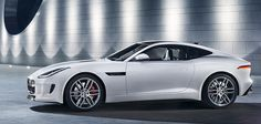 INSTINTO ANIMAL - Auténtico y deportivo, el F-TYPE R es considerado la última creación perteneciente a la consagrada y excepcional firma británica Jaguar. Debido a sus altas prestaciones, sus distintivas formas y carrocería, Jaguar lo describe como el último descendiente del increíble linaje F-TYPE.