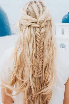 Half-Up Fishtail Braid #braids #half-up ❤️ Check out our collection of easy-to-do hairstyles with braids and try to style your hair in a similar way. ❤️ See more: http://lovehairstyles.com/braided-hairstyles-for-spring/ #lovehairstyles #hair #hairstyles #haircuts