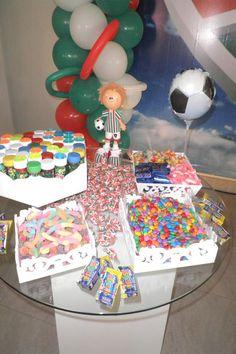 Resultados da Pesquisa de imagens do Google para http://www.levadabreca.com.br/wp-content/uploads/2010/06/Mesa-Doces-Fluminense1.jpg
