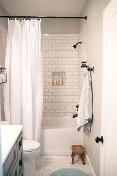 Nice 99 Creative Tiny House Bathroom Remodel Ideas. More at http://99homy.com/2018/02/20/99-creative-tiny-house-bathroom-remodel-ideas/