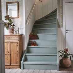 Grey painted stairs Cabin & Cottage Properties For a house that appears really out of a storybook, these cabins and cottages take advantage of shutter. Painted Stairs, House Styles, House Design, Basement Renovations, Cozy House, New Homes, Stairways, Painted Staircases, Cottage