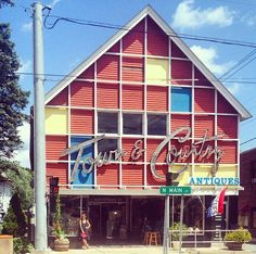 Town and Country Antiques - Go off the beaten path for well-priced mid-century antiques at Town and Country in Liberty.