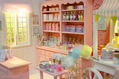 Custom Blythe + Candy Shop diorama | Flickr - Photo Sharing!