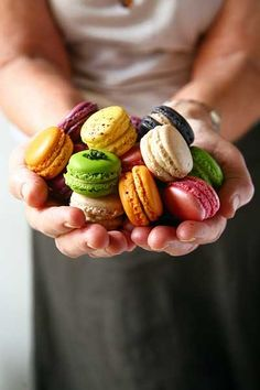 .~Colourful Macarons~.