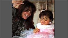 Comparte Verónica Castro imagen con su nieta Rafaela.
