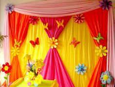 New Birthday Decorations At Home Fun Ideas Butterfly Birthday Party, Birthday Diy, Birthday Parties, Paper Flowers Craft, Flower Crafts, Paper Crafts, Birthday Decorations At Home, Stage Decorations, Diy For Kids