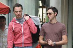 http://www.oztvreviews.com/2012/05/jim-parsons-big-bangs-sheldon-cooper-comes-out-as-gay/  Jim Parsons Big Bangs Sheldon Cooper Comes Out as Gay