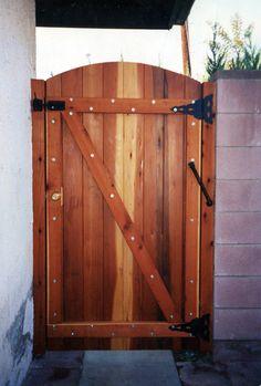 Wooden Gate Door, Wooden Side Gates, Metal Fence Gates, Wooden Garden Gate, Garden Gates And Fencing, Gates And Railings, Front Gates, Wood Fences, Backyard Gates