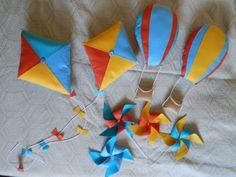 O valor se refere a 1 (um) kit composto por dois balões, duas pipas para decoração de painel e mesa Não param em pé sozinhos, não tem fio para amarrar no voual, Lindos para enfeitar a mesa ou o voual da decoração ***os cata-ventos não acompanham os produtos***