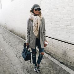 autumn style idea - ripped jeans, mid-length coats, big scarf