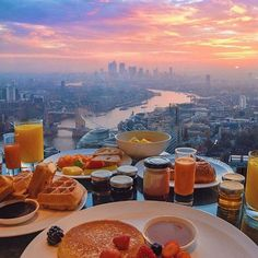 The view from breakfast looks amazing from the Shangri-La Hotel in London.  by ... | http://ift.tt/2b7Z089 shares #travel #destination for #rich #vacation and #holiday. #Get #hotels #Deals at http://ift.tt/2b7Z089