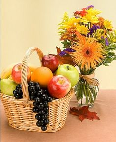5 KG Fresh Fruits Basket (Seasonal Fruits) + 15 Mixed Flowers Bouquet (Add VASE from the add on products). Gourmet Gift Baskets, Gourmet Gifts, Funky Fruit, City Flowers, Online Birthday Gifts, Fruit Gifts, Gift Bouquet, Online Florist, Happy Thanksgiving Day