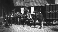 La norvège vient de recevoir sa première cargaison de bananes. [1905]