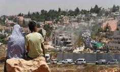 Israel impone un régimen de segregación racial a los palestinos...